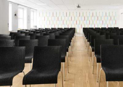 Leder du efter et kursuslokale, mødelokale eller konferencelokale til dit næste arrangement ude af huset? MBK hjælper dig med give dine gæster en unik og inspirerende oplevelse.