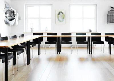 Nyd de flotte lokaler hos MBK til dit kursus eller møde her i huset.