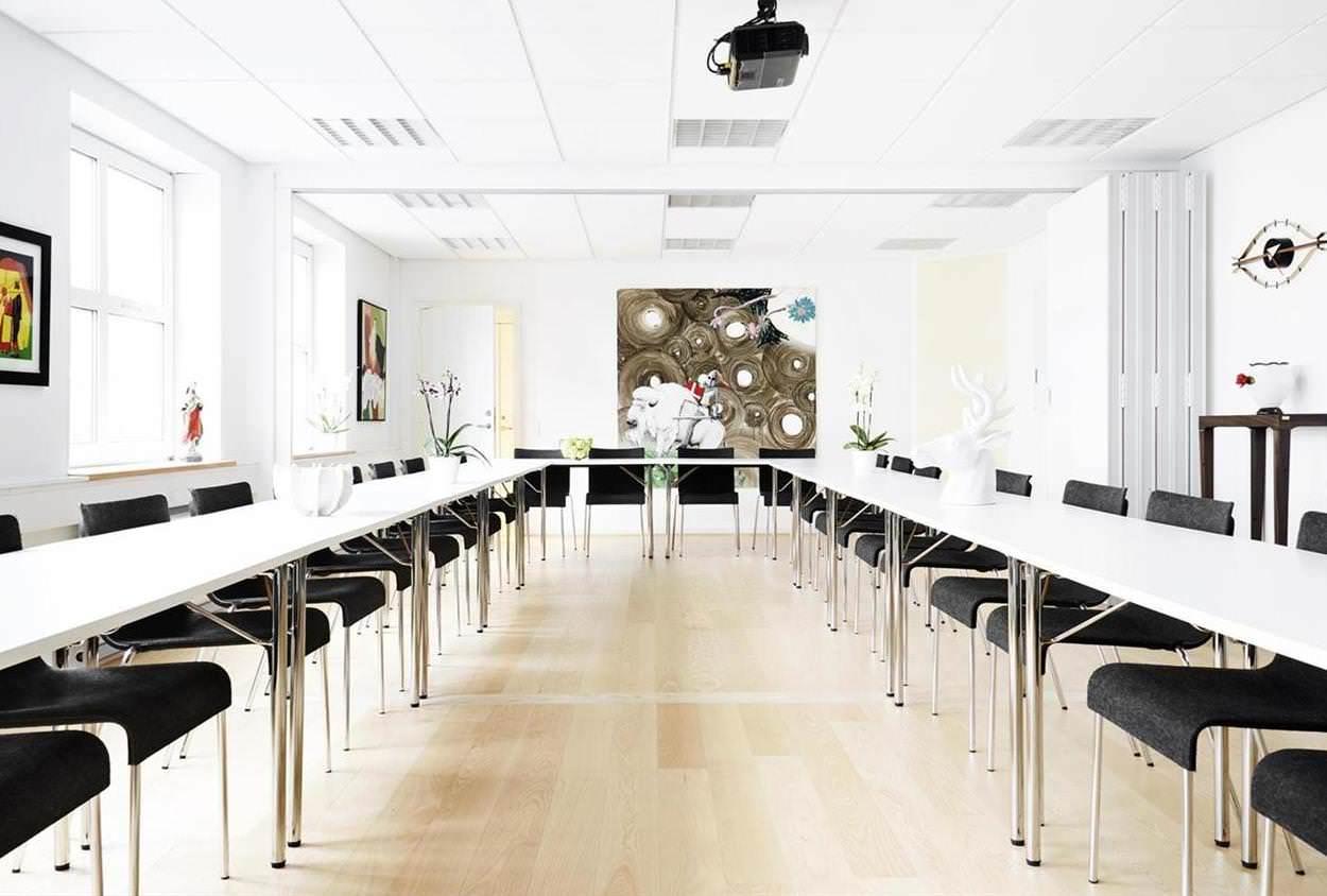 Lej lokale hos MBK til dit næste arrangement ude af huset - vi tilbyder lokaler fra 2 til 138 personer.